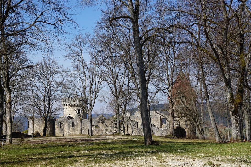 Parc de la Colline du Château (Castle Hill Park) guide