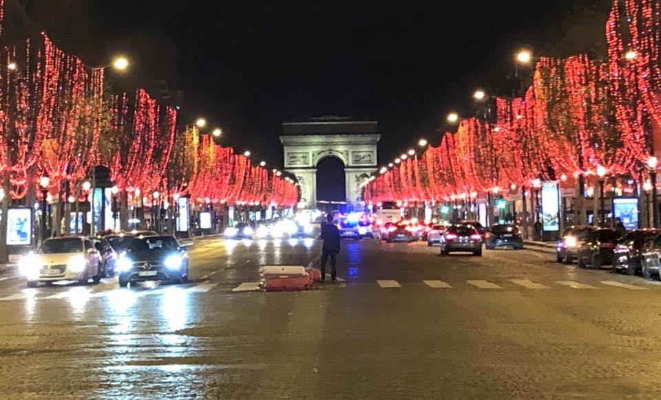 Arc De Triomphe Neighbourhood