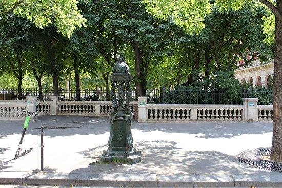 Kunt u water drinken uit een fontein in Parijs