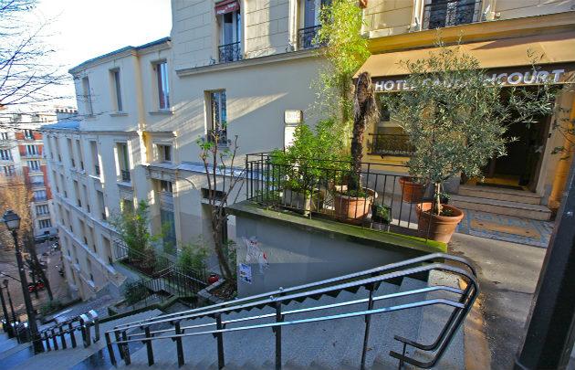 Caulaincourt Square Montmartre Paris Hostel