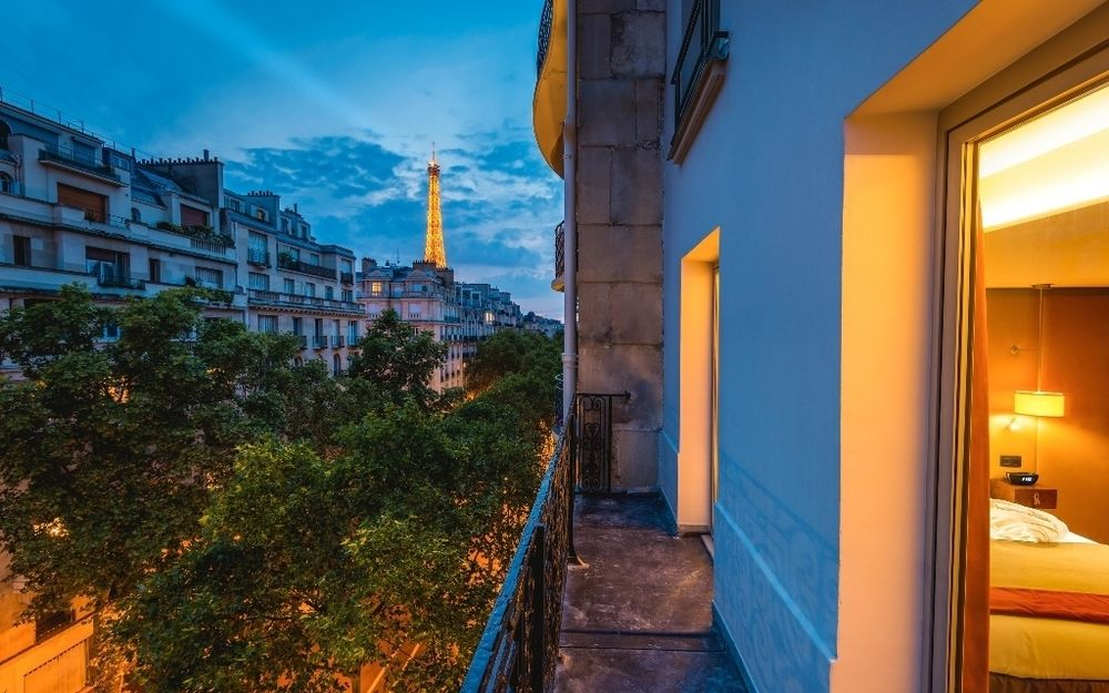 Hotel de la Bourdonnais Near The Eiffel Tower