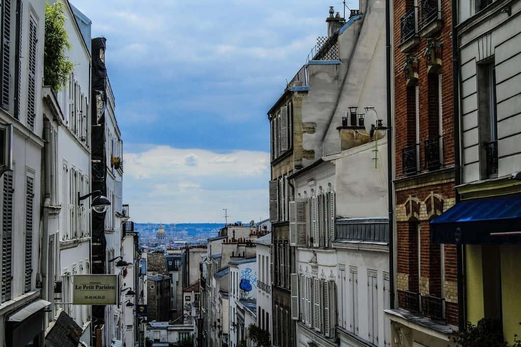 Montmartre Travel Guide