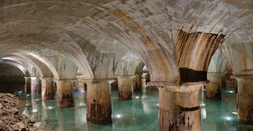 Waar het water van Parijs uit het Montsouris-reservoir komt