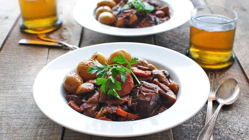 Food In Burgundy Beef bourguignon