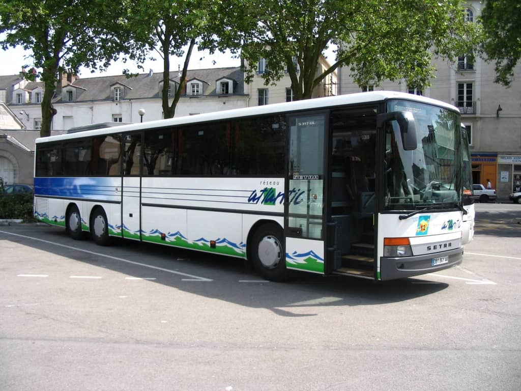 Going From Loire Valley To Paris By Bus