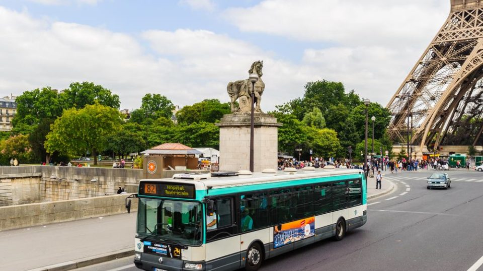 How to Use the Paris Bus System