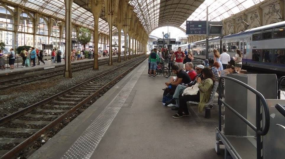 How to get from Paris To Nice With a train
