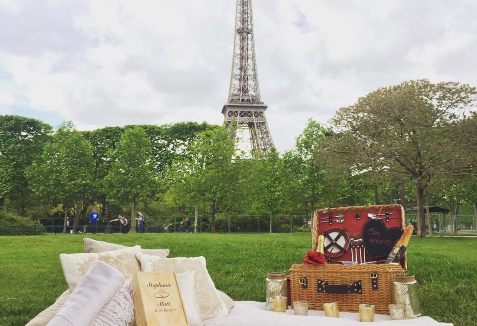 Paris Marriage Proposal Eiffel Tower
