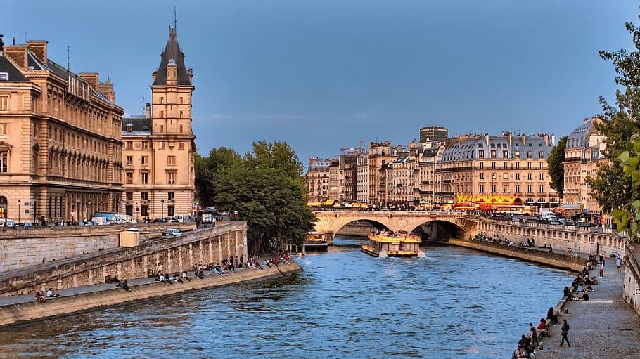Paris River Cruise In August