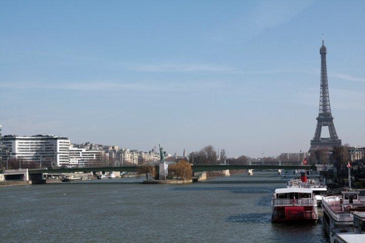 Pont de Grenelle & Statue de la Liberté Brug van Parijs