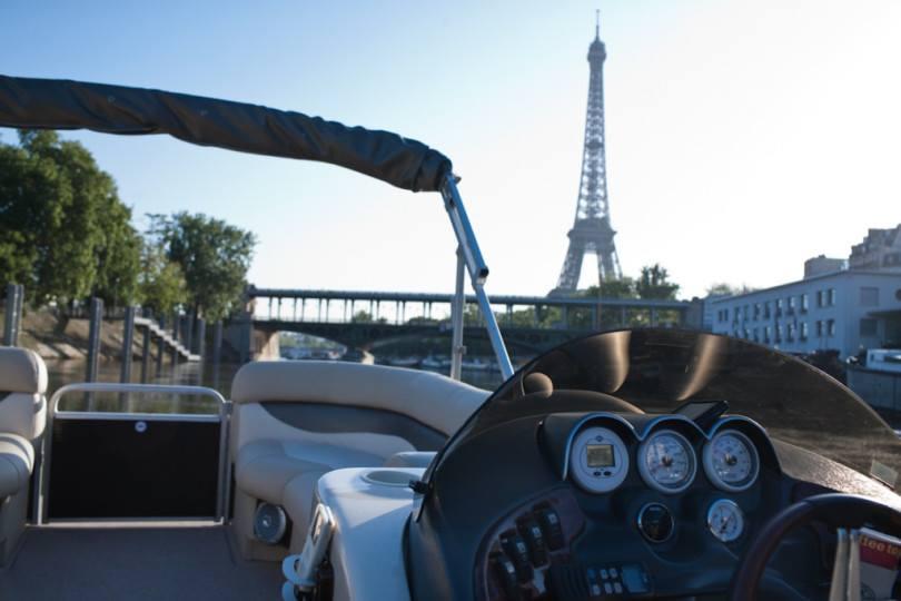 Eiffeltoren met een boot