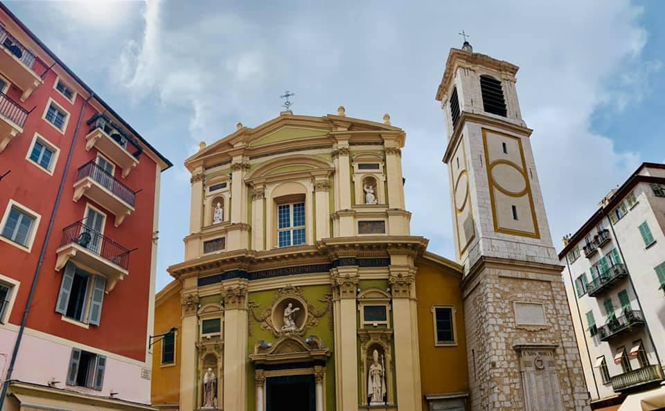 La Cathédrale Sainte Réparate sur la Place Rossetti