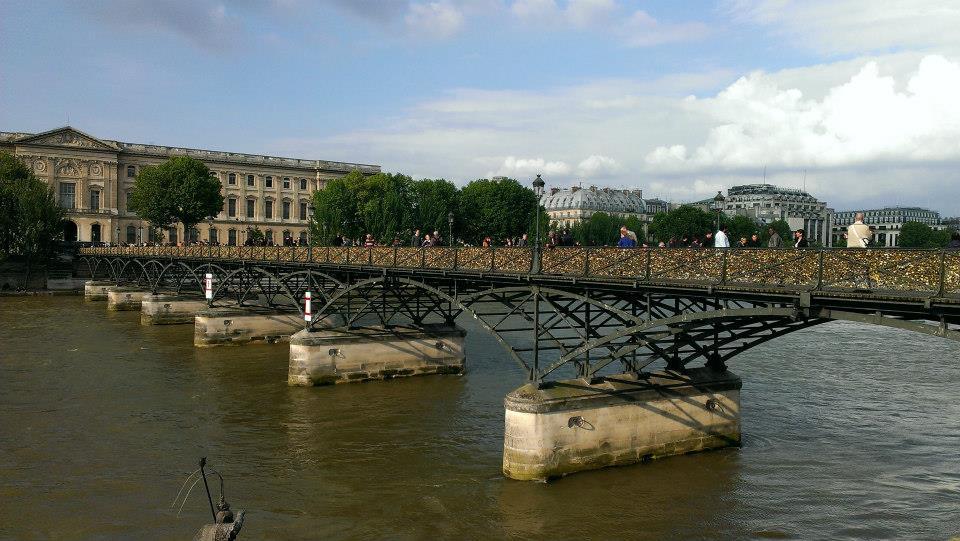 Pont Des Arts - Bridge Of The Arts Parijs