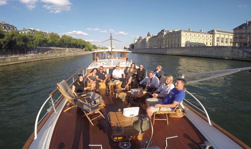 Een bezoek aan de Notre Dame met een boot