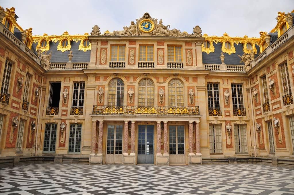 Je moet Versailles in Parijs bezoeken