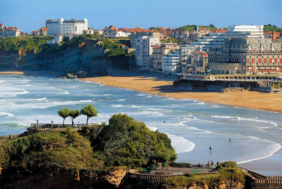 Free Things to Do in France - Relax on the Beach