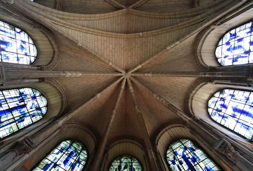 Visit the Basilica of St. Remi in Reims