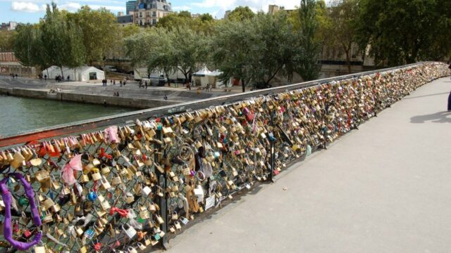 What To Do On a Romantic Weekend in Paris