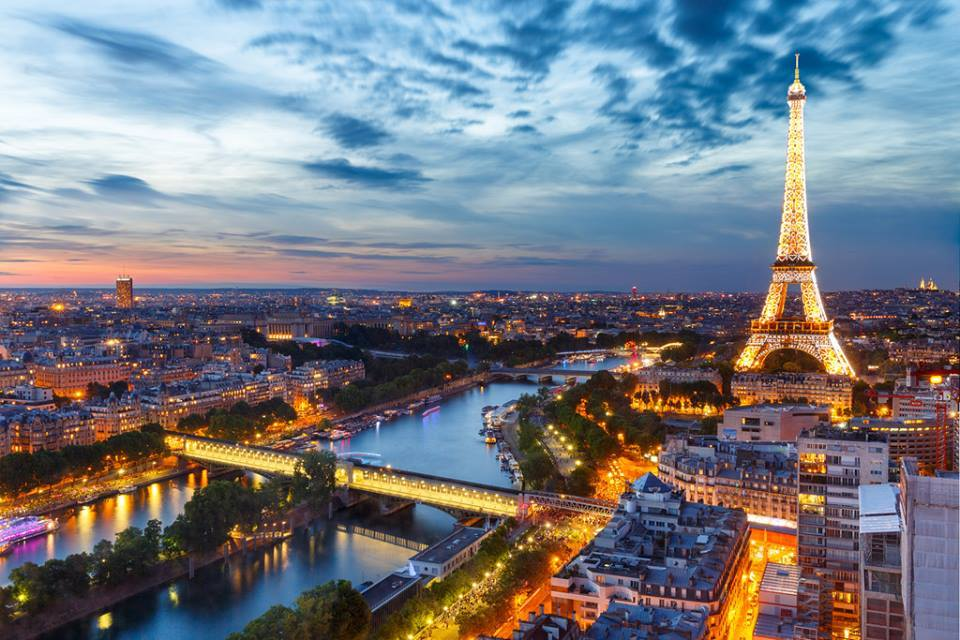 What to Do at Night in Paris if you are Single