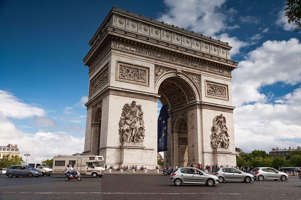 Arc de Triomphe - Why is Paris Famous