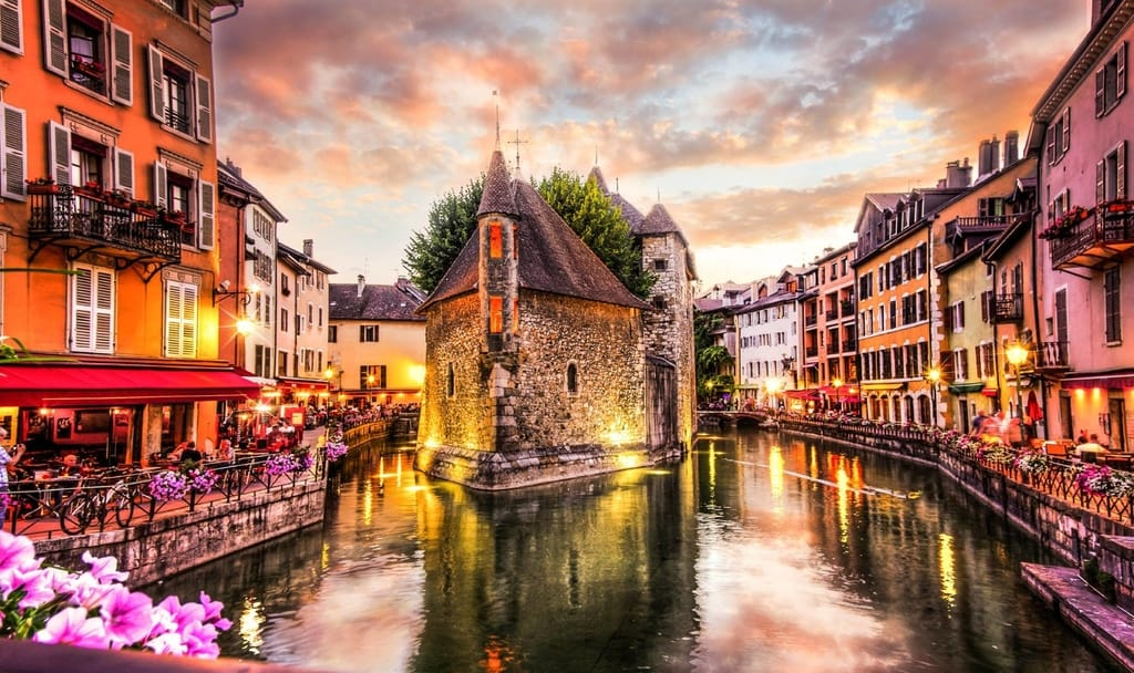 Best Places to Honeymoon in France - Annecy