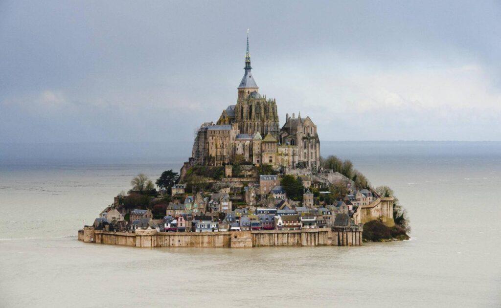 Is Mont Saint Michel a City
