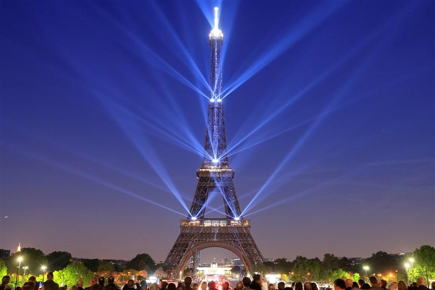 Is the Eiffel Tower Worth It - Eiffel Tower at Night