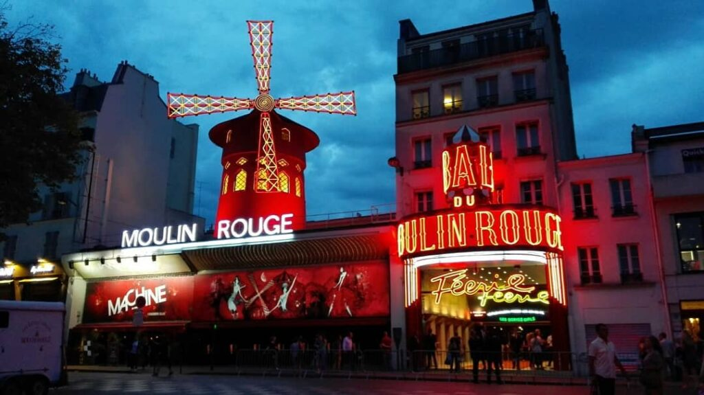 Moulin Rouge Reasons To Go