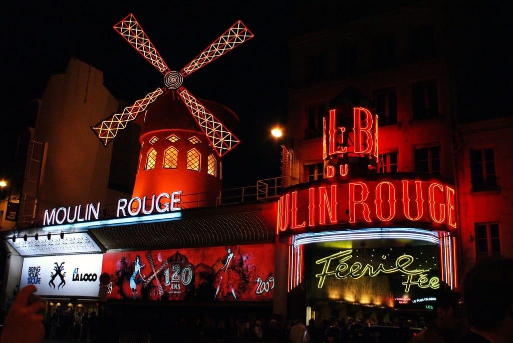 Moulin Rouge Tours Paris