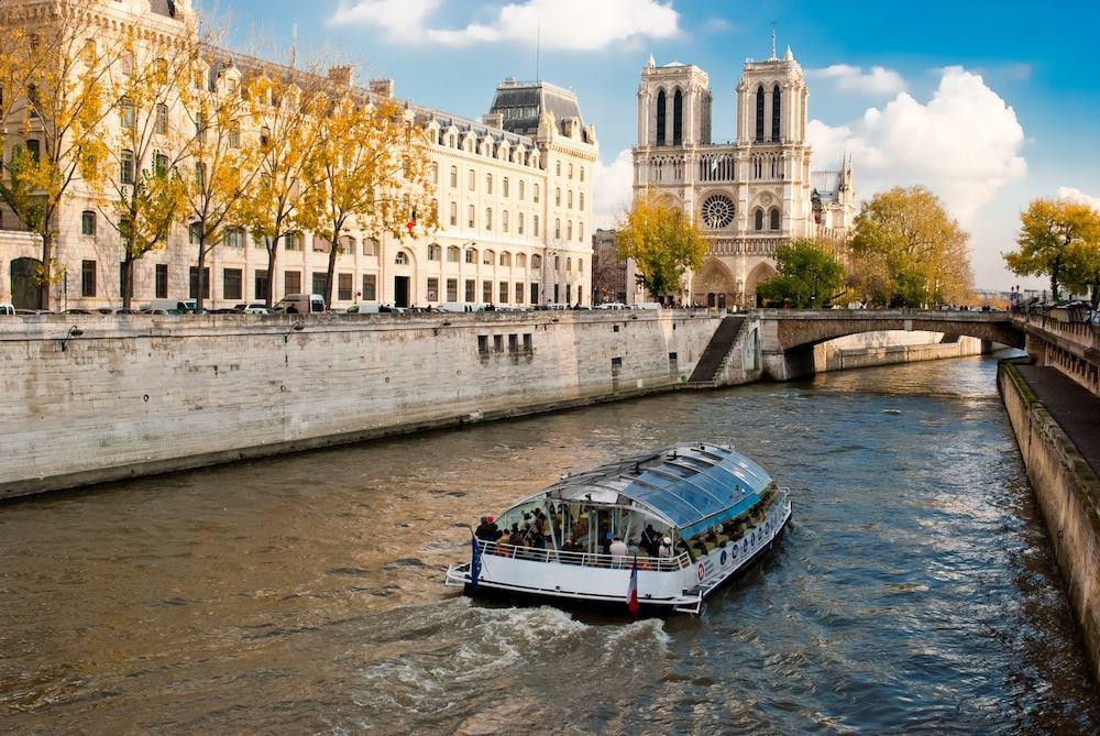 Paris Canal Cruise Tour on the Seine