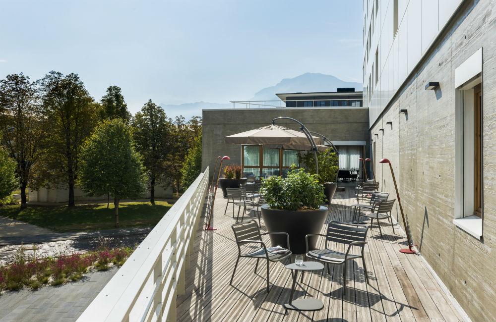 Romantic Hotels French Alps - Okko Hotels Grenoble Jardin Hoche