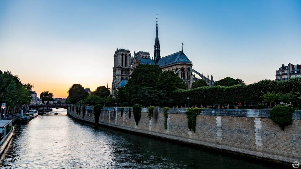 Things To See In Paris - Cathédrale Notre-Dame in Paris