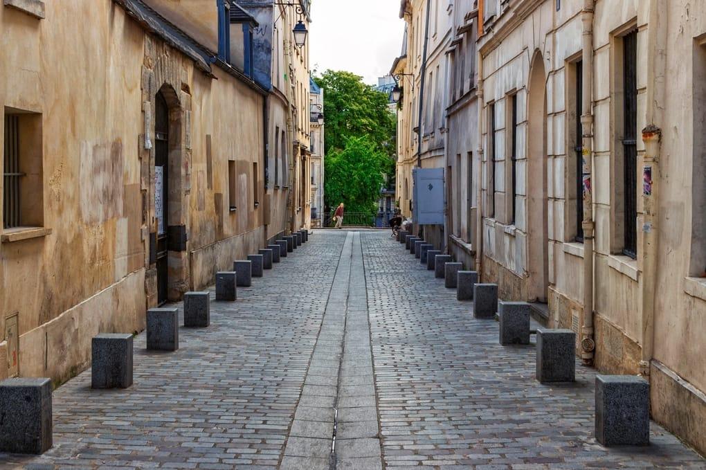 Walk Around The Latin Quarter