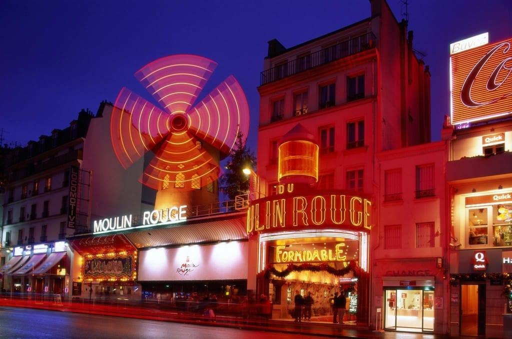 What Should I Do In Paris - Visit Moulin Rouge