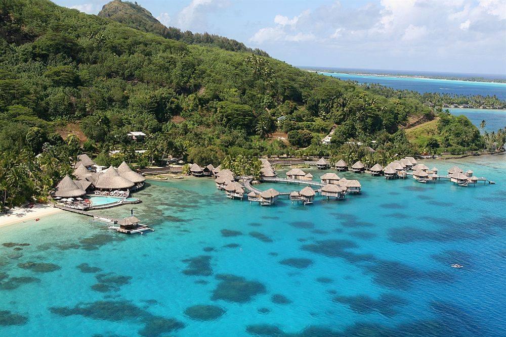 Beautiful Islands in French Polynesia - Bora Bora