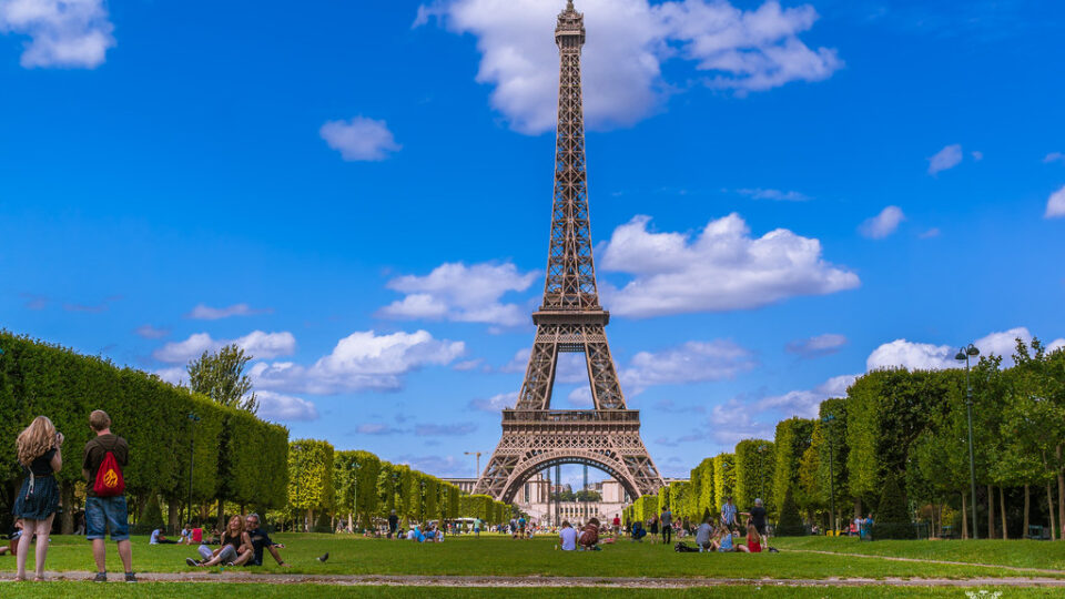 4 Tips For A Perfect Family Vacation In France