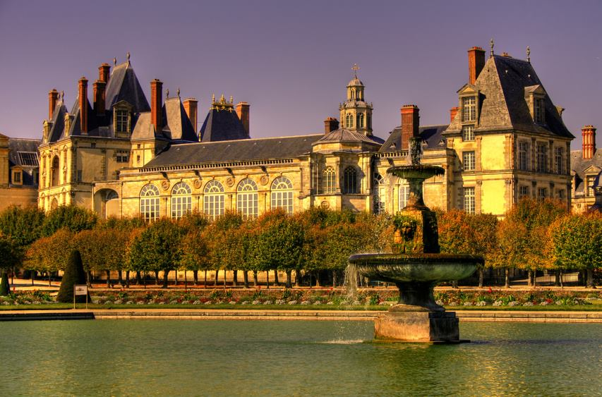 fontainebleau castle in france