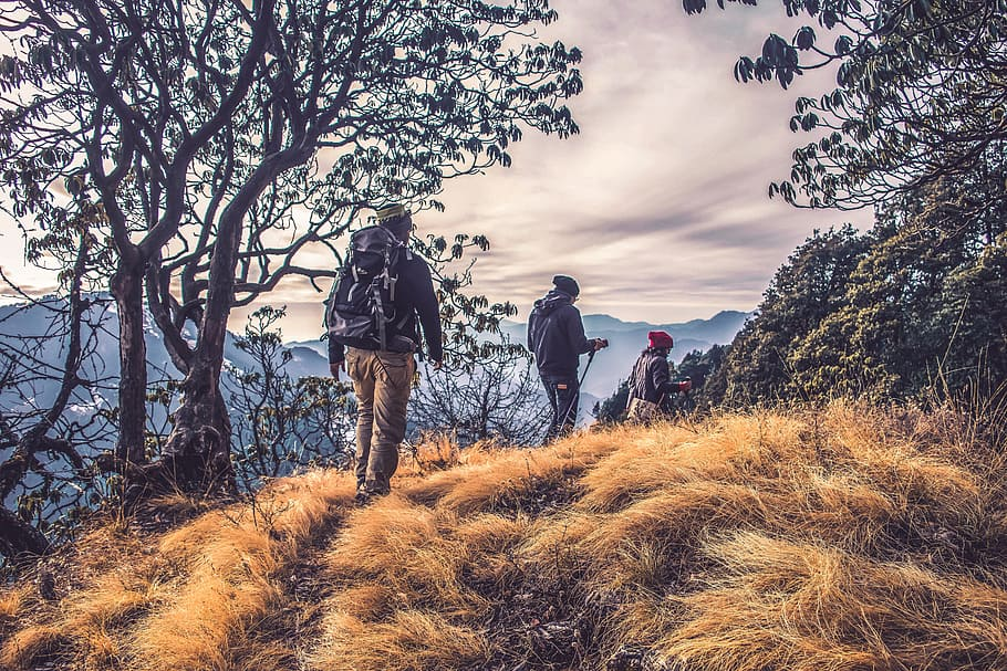 10 Benefits Of Hiking With Your Friends in France